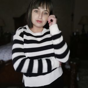 Forever 21 knit Sweater black and white Size M